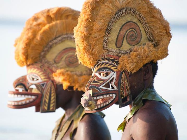 PAPUA NEW GUINEA - Why not combine a cultural extension to your diving trip to Lissenung (Image by Juergen Freund/Lissenung Resort)